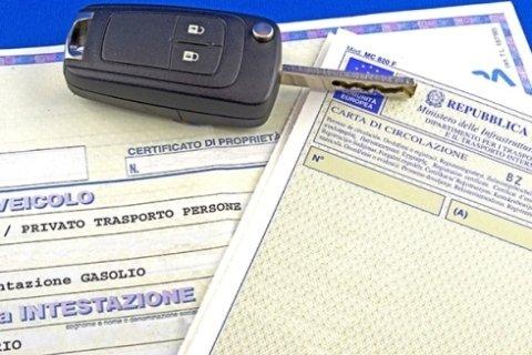 certificati proprietà auto