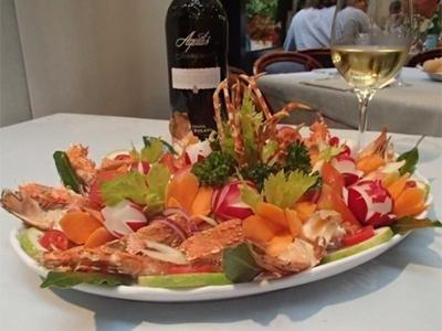 aragosta con vino pregiato