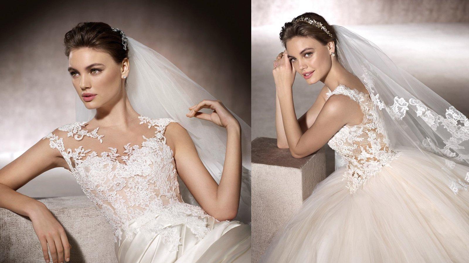 una donna con un abito da sposa di  color bianco