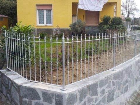 MB Artigianferro installa recinzioni e cancelli metallici preso la vostra abitazione.