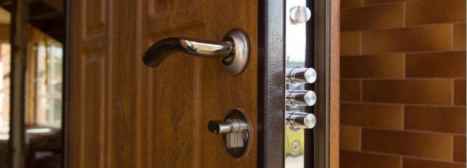 porta blindata con serratura di sicurezza