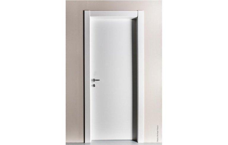 Porta interna in legno bianco