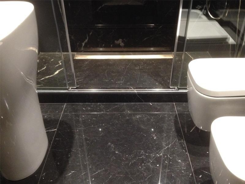pavimento-e-rivestimento bagno-in-marmo