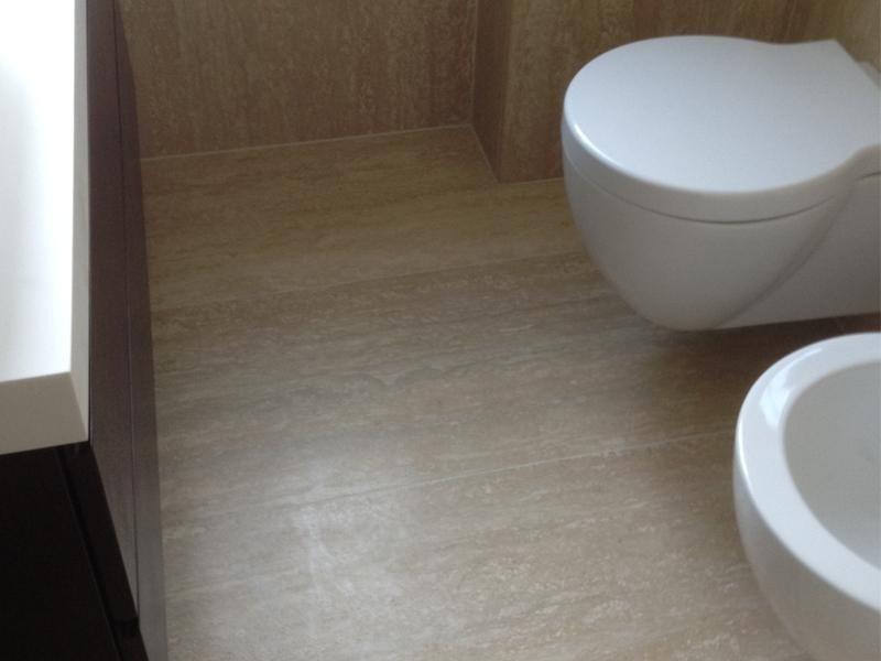 pavimento-e-rivestimento-bagno-in-travertino