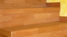 scale di legno per interni