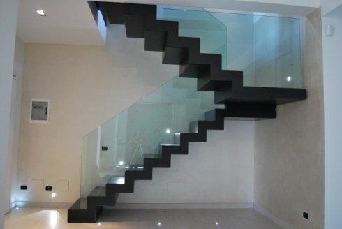 scale con corrimano in vetro