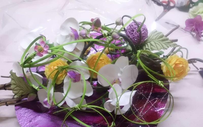decorazione di fiori scorrano