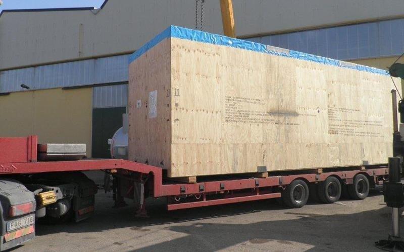 movimentazione imballaggio su camion