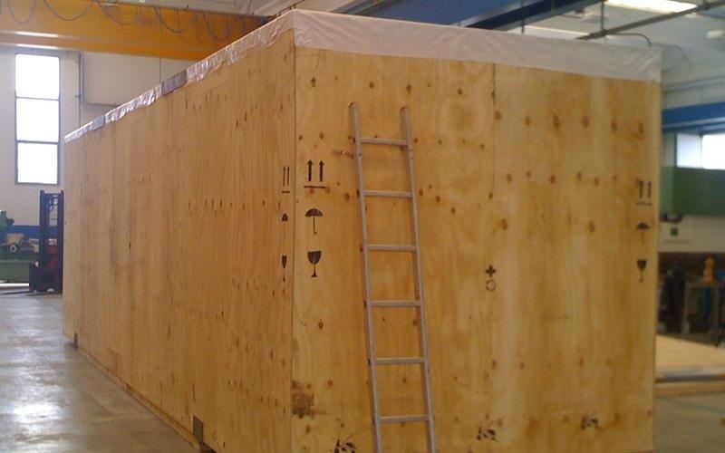 cassa imballaggio industriale coperta magazzino