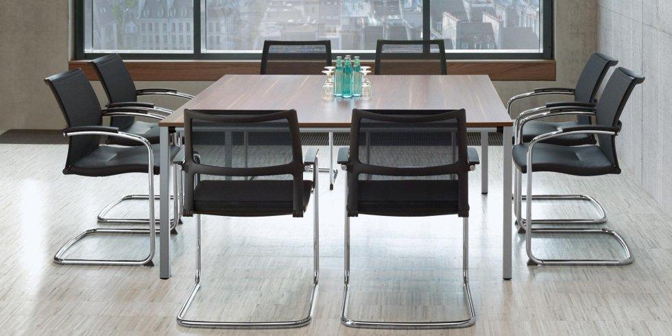 tavolo per riunioni e conferenze