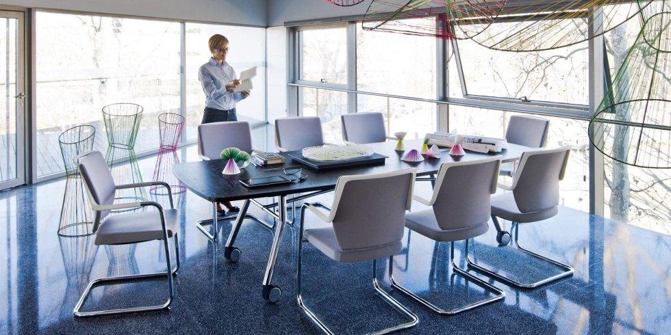 scrivania per riunioni