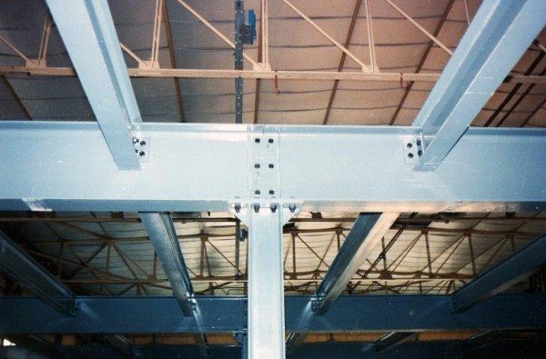 Soppalco in carpenteria metallica completamente smontabile a mezzo bulloni