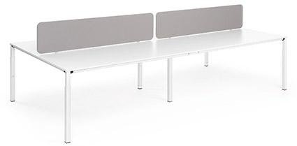 tavolo con ripiani sotto il tavolo