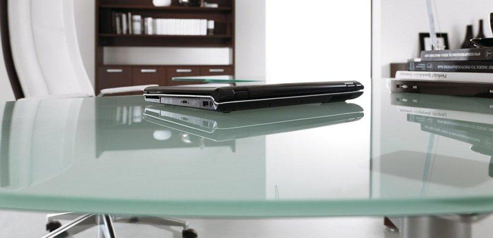 tavolo dirigenziale in vetro_linea cubo 2