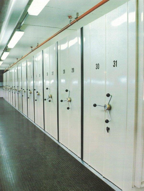 Archiviazione ed armadiature compattabili per industria