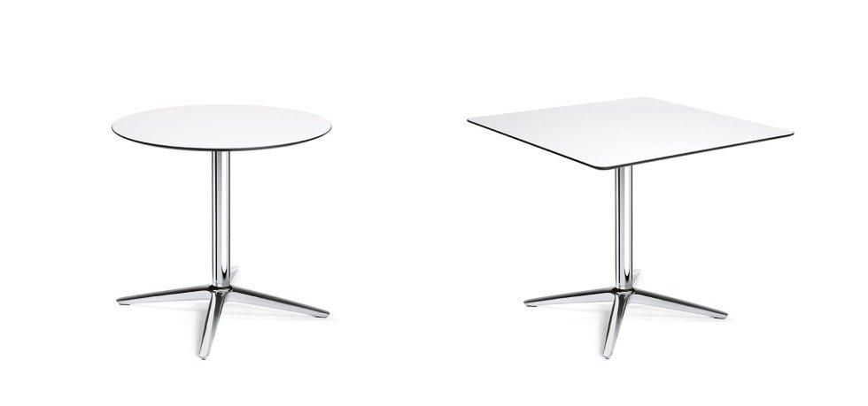 due tavolini bianchi