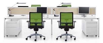 postazioni con sedie verdi