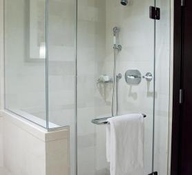 Box doccia su misura milano abc del vetro il vetraio - Box doccia colorati ...