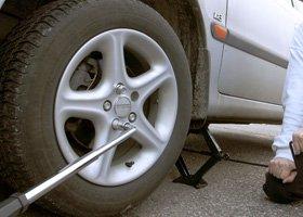 Roadside assistance - Poole, Dorset - MAC Transport (UK) Ltd - Tyre fitting