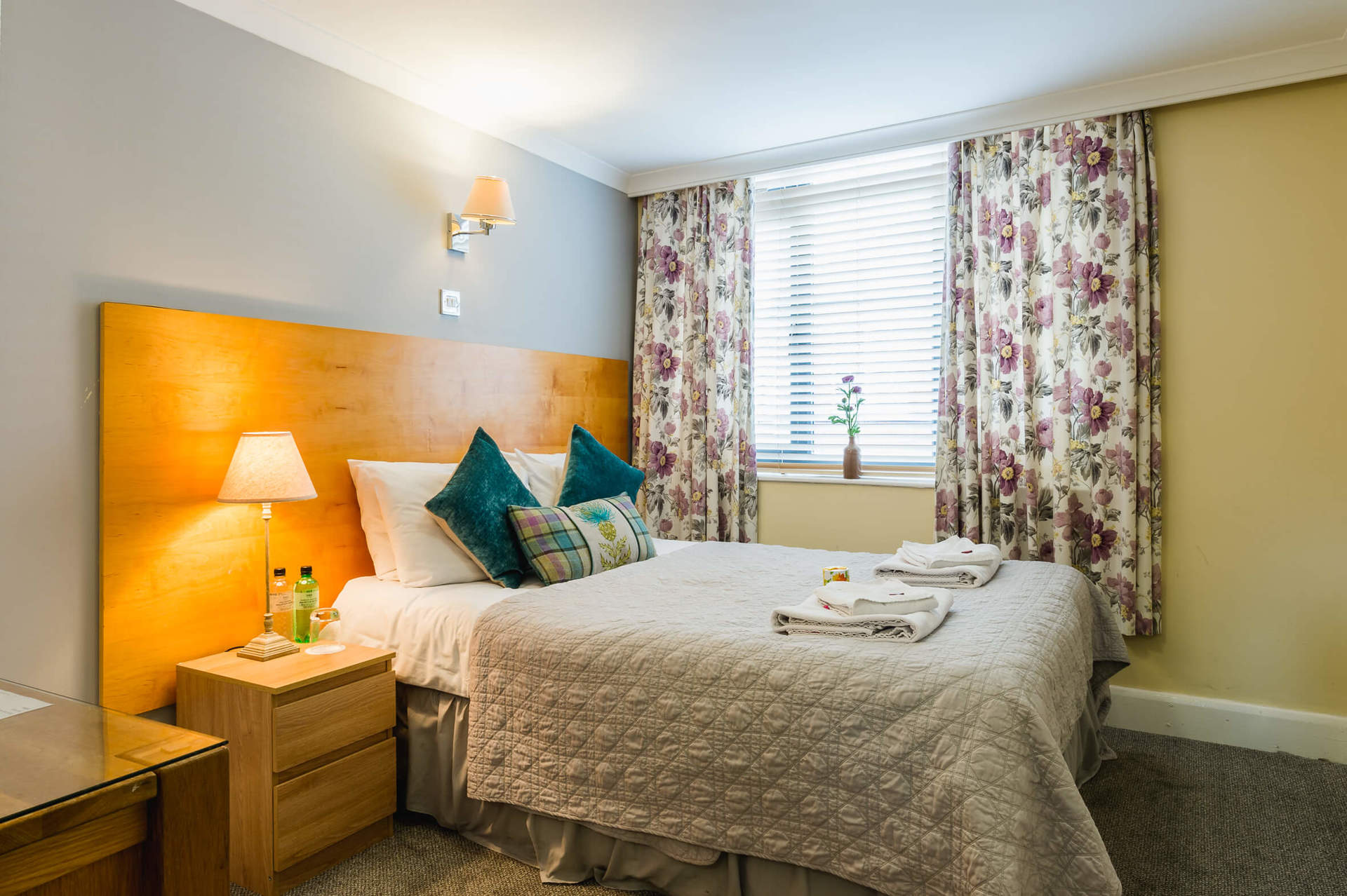 Picture of a bedroom in George Oxford Hotel in Oxford