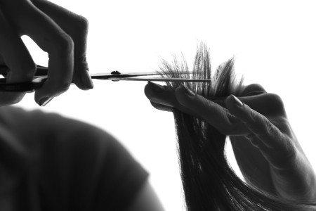 Taglio professionale dei capelli
