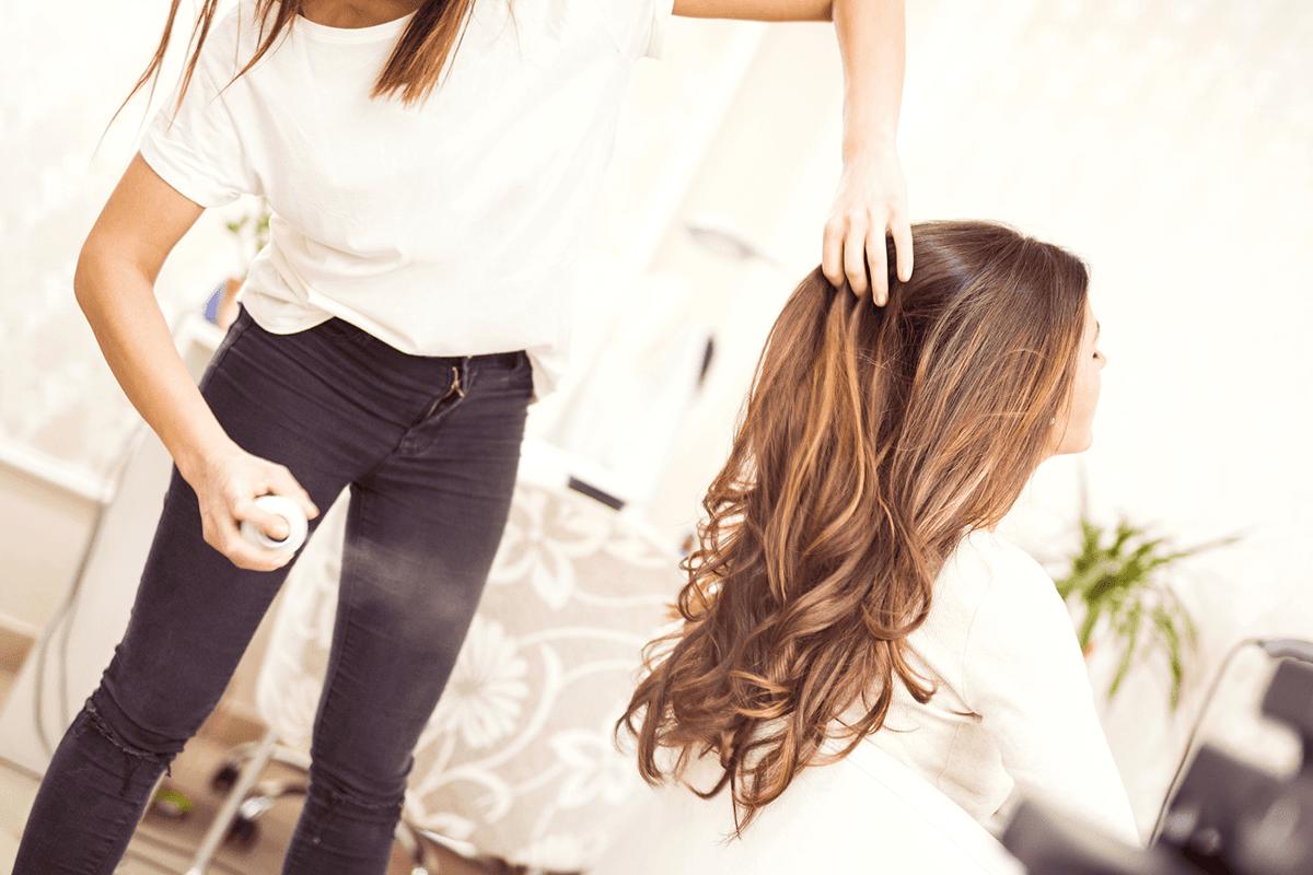 Piega e acconciature per capelli lunghi