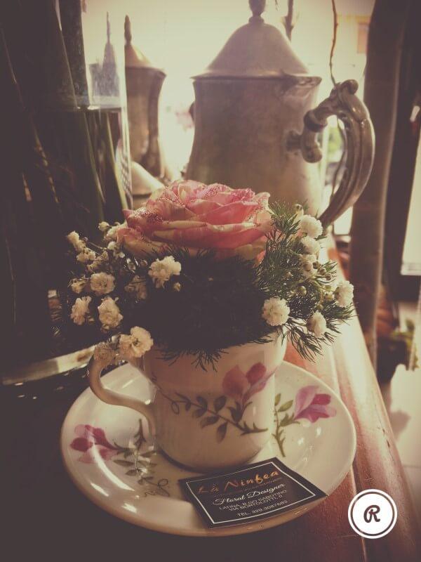 rosa in tazza da the