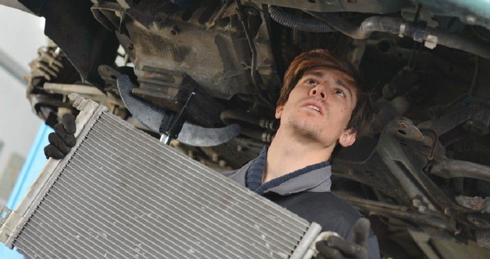 Vehicle radiator servicing