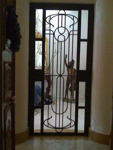 porta di entrata in ferro