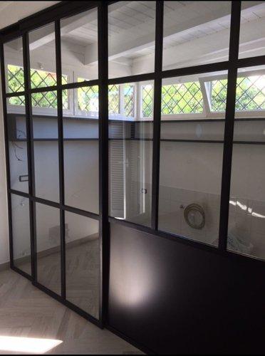 finestra scorrevole in ferro e vetro