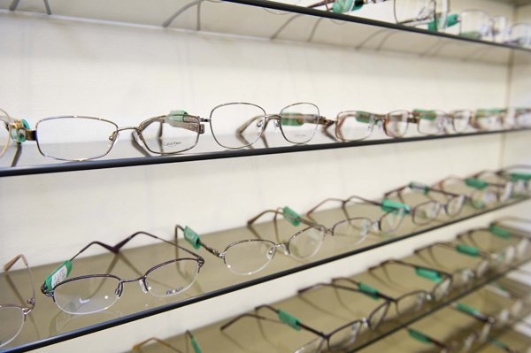 4ceaa1816a Find the right glass frames to suit you.