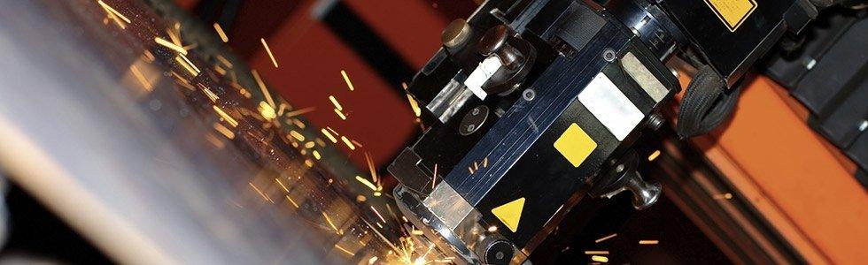 Macchina per la lavorazione del ferro a precisione