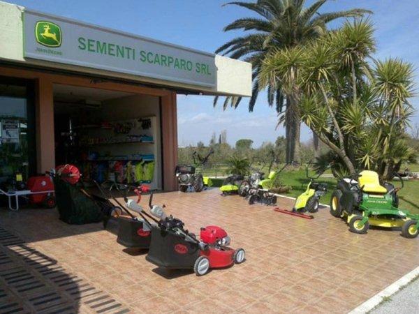 Vendita articoli per orto e giardinaggio