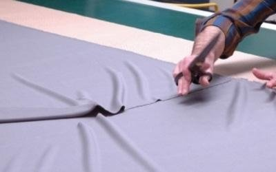 Taglio tessuto manuale
