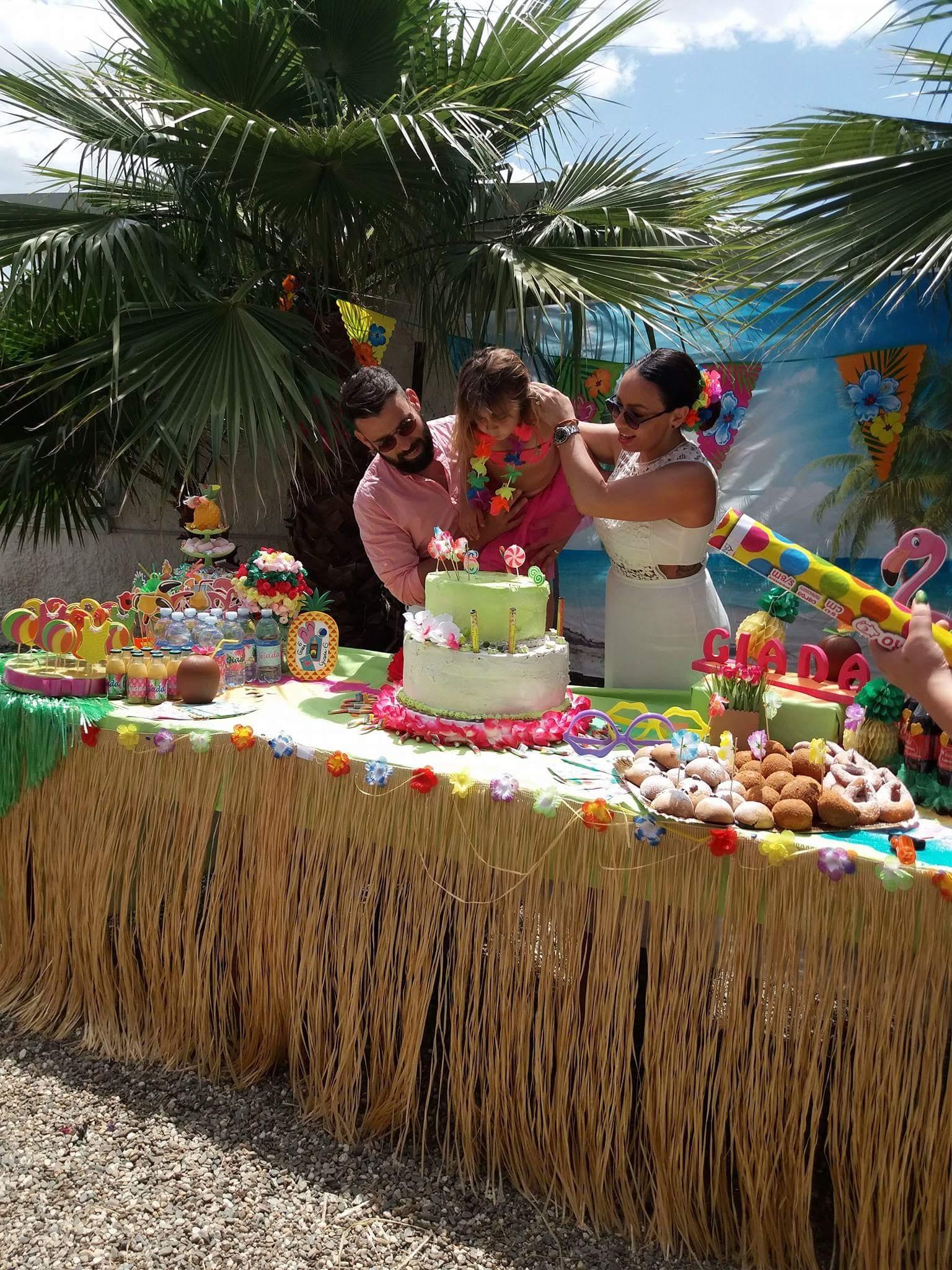 torta e dolci colorati