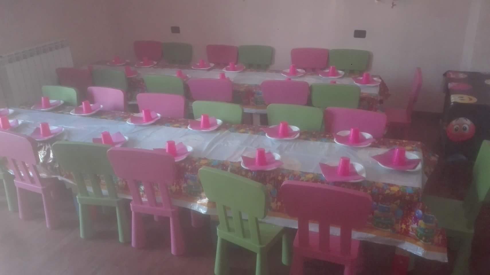 tavola apparecchiata per bambini