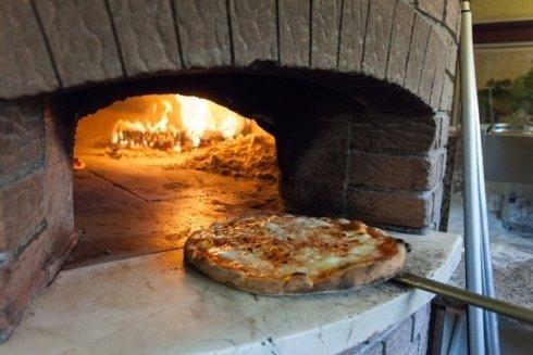 Infornata di pizza