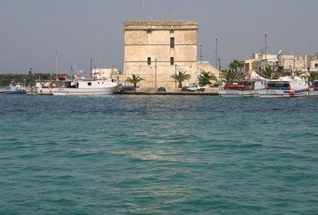 Torre Cesarea dal mare