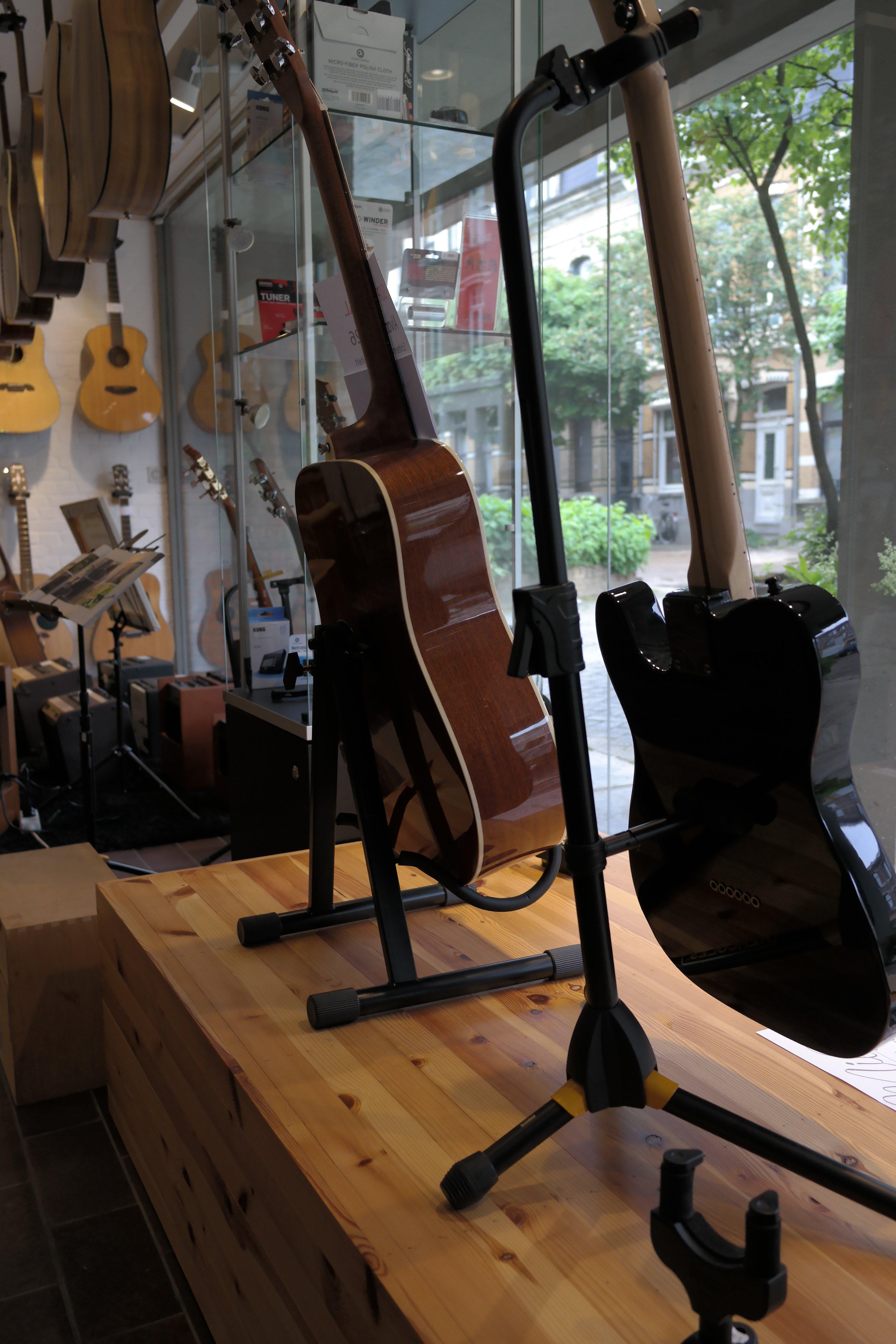 gitaar staanders