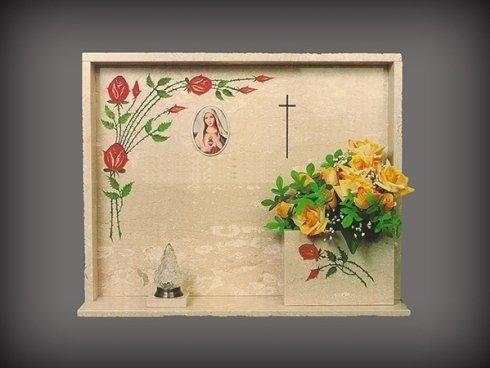 La San Giorgio si occupa di realizzare e fornire articoli ornativi per il settore funerario.