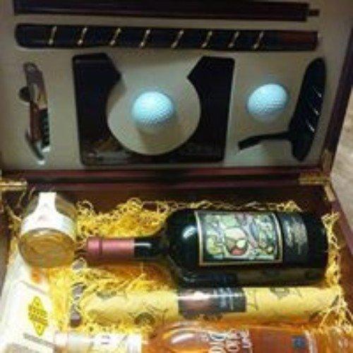 Cassa di regalo con bottiglia , palle da golf e una mazza da golf smontabile