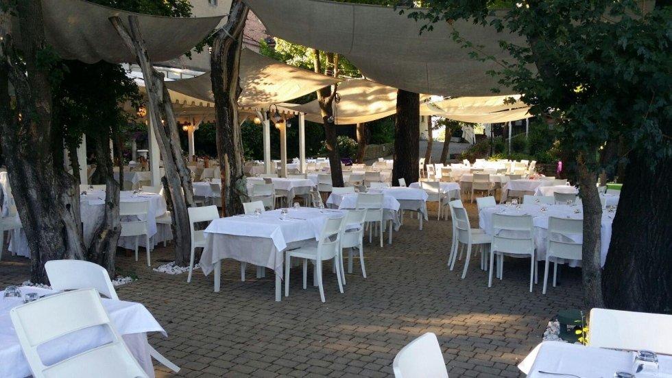 pranzo e cena in giardino
