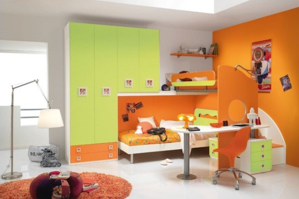 cameretta verde e arancione
