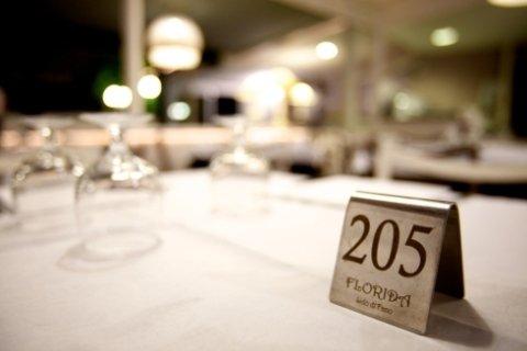 tavoli prenotabili, prenotazione sala, prenotazione per feste