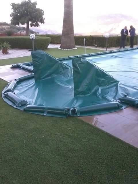 Teloni impermeabili piscina
