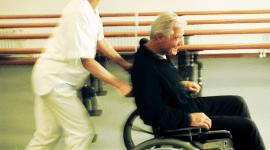 carrozzine a motore, sedie a rotelle elettriche, supporti per disabili