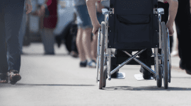 articoli sanitari, strumenti per disabili, vendita sedie a rotelle