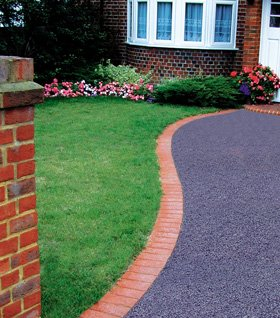 Paving and driveways - Llanfyllin, Powys - E.Roads Ltd - Tarmacing