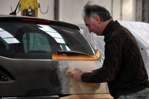 Verniciatura metalizzata di auto