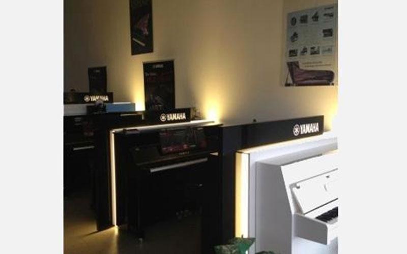 Area con modelli Yamaha Serie B, nuova versione Silent SG2, nuova serie SH e Transacustic